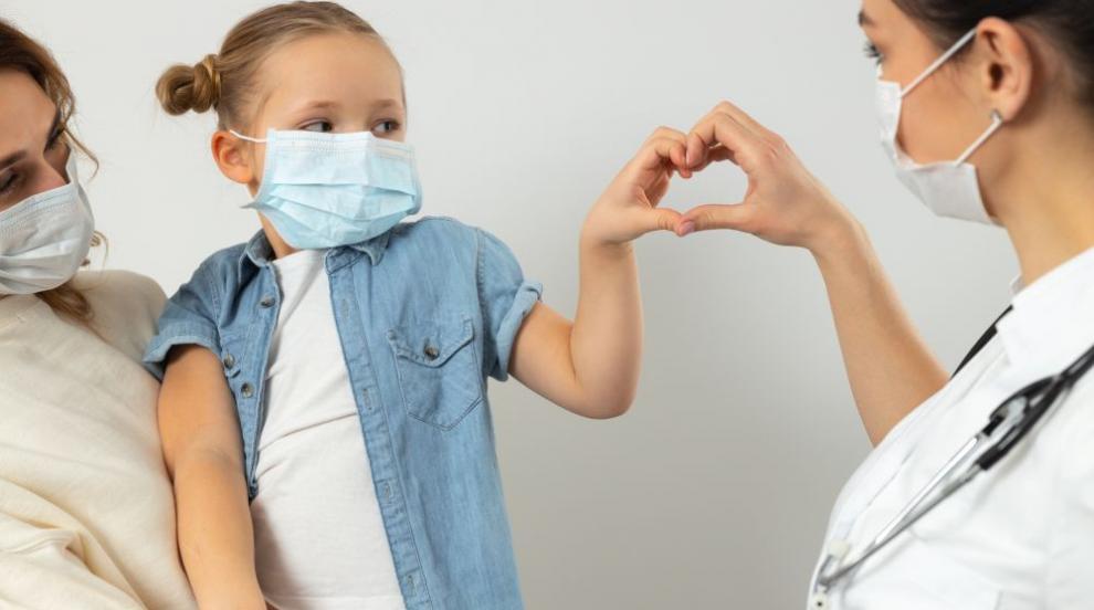 Вирусолог: Децата се заразяват и предават вируса два пъти по-рядко