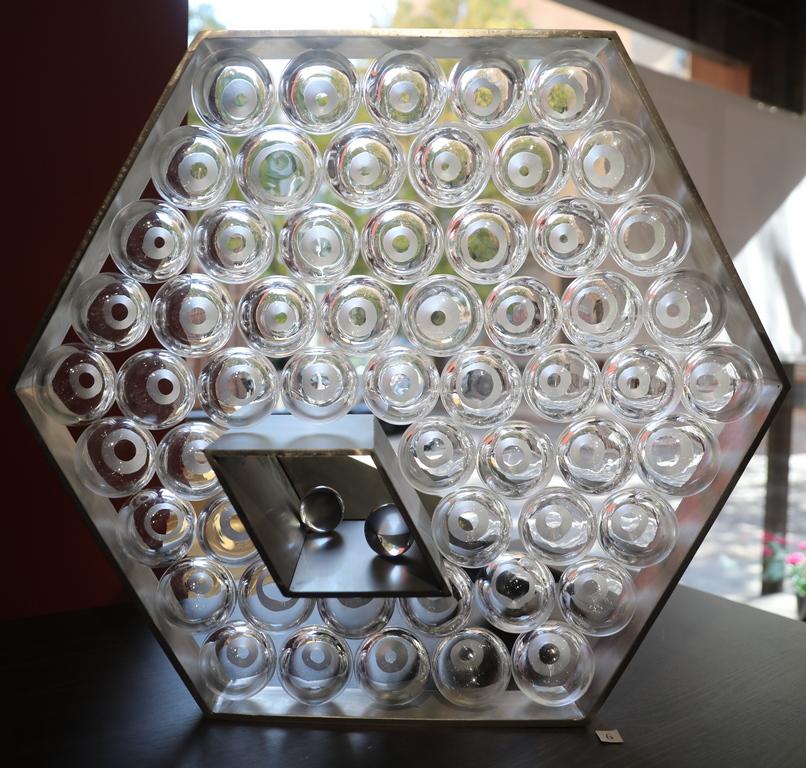 <p>Габриела Тончева Reticulum - издухано стъкло, плоско стъкло и метал, blown glass, float glass and metal</p>