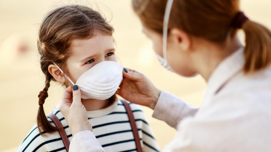 Манията за дезинфекция покрай коронавируса може да навреди на децата