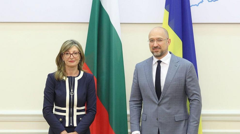 Украинският премиер обеща българско средно училище...