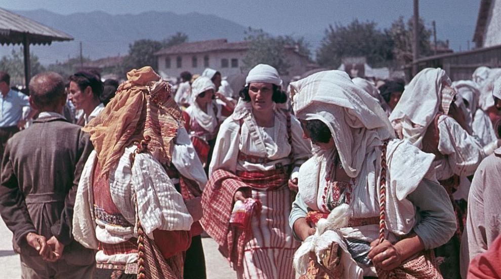 Обет за девственост: Албанските момичета, които...