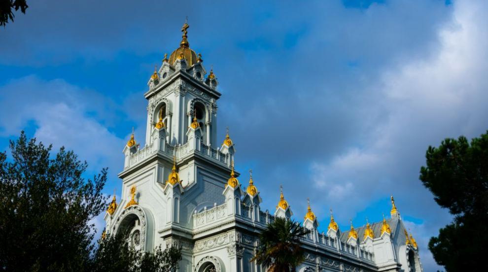 ВМРО настоява Св. Синод да прати наш свещеник в