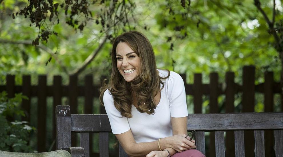 Кейт отново блести, този път с много шикозен есенен...
