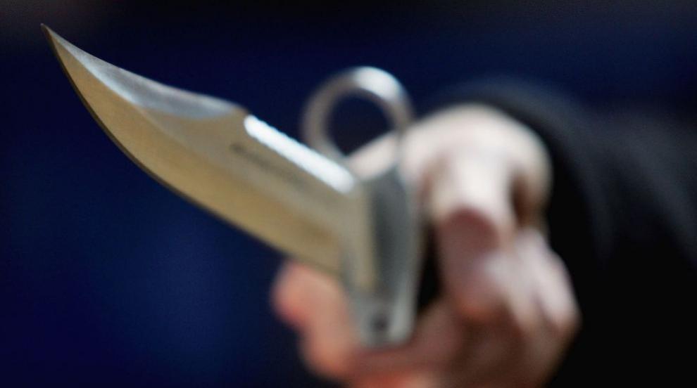 Син намушка майка си с нож в Русе