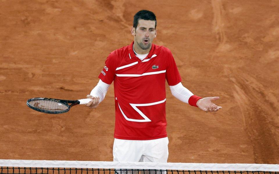 Световният №1 Новак Джокович отново удари съдия по време на