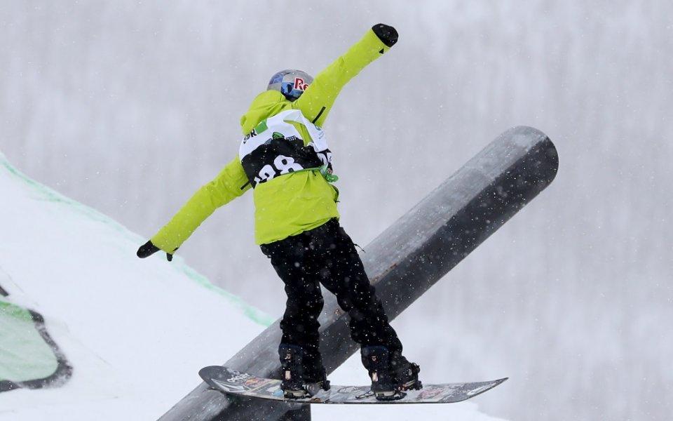 Тя е красива, тя е сноубордистка, тя е победител. Красавицата