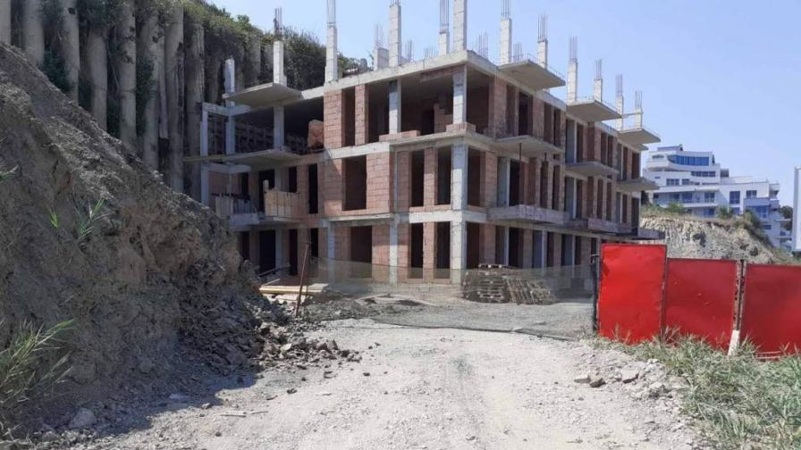 Прокуратурата спря строителството на плажа в Обзор