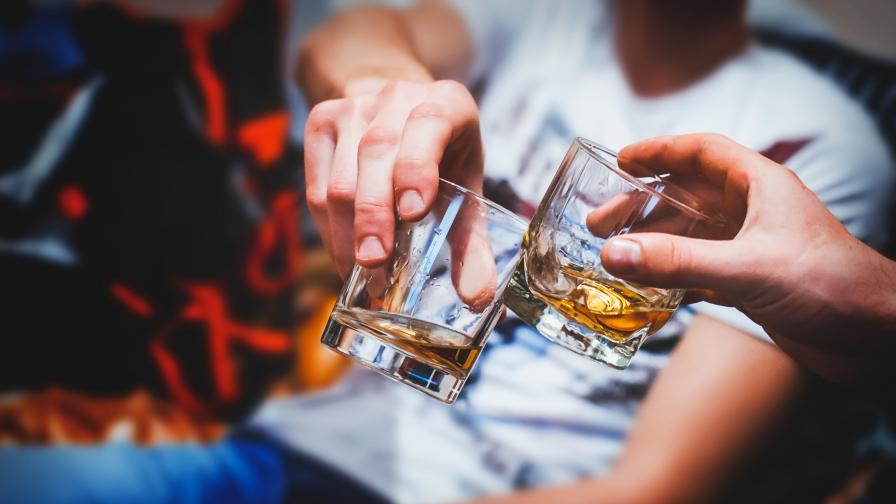 Алкохол менте уби 7 души в Турция