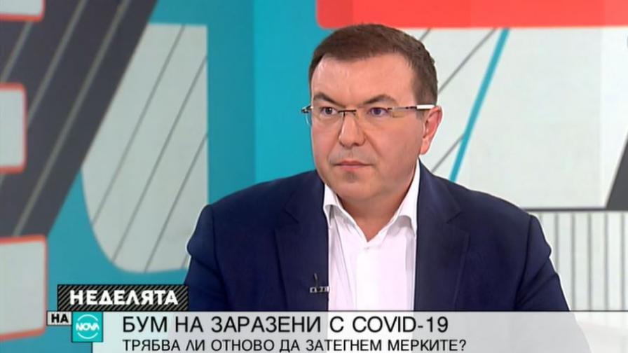Костадин Ангелов каза кога започва масовата ваксинация