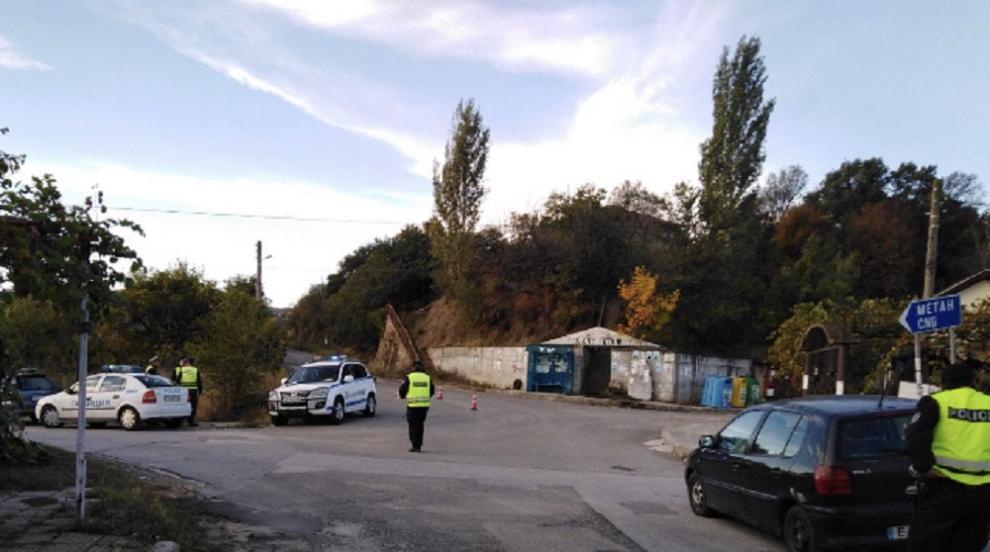 11 задържани при спецакция в Кресна, Струмяни и...