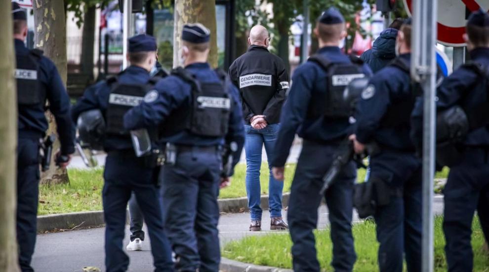 Френската полиция на крак - арестува десетки лица...