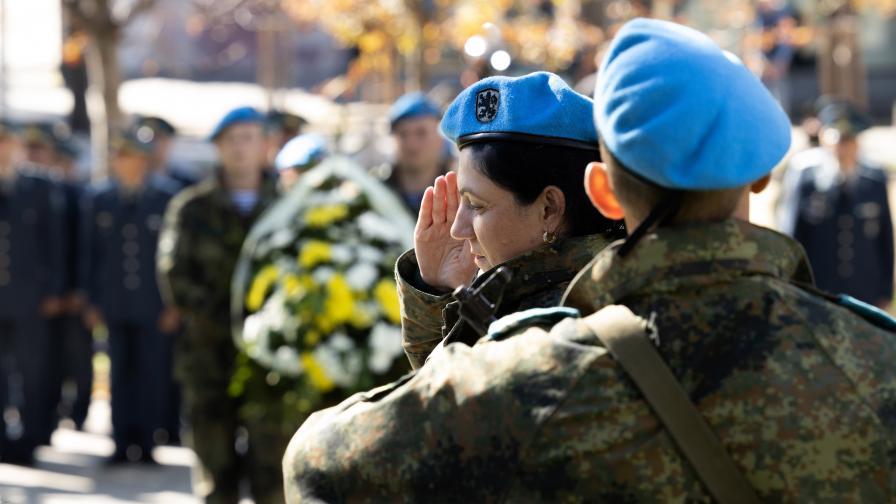 Отбелязваме Деня на военния парашутист от Българската армия
