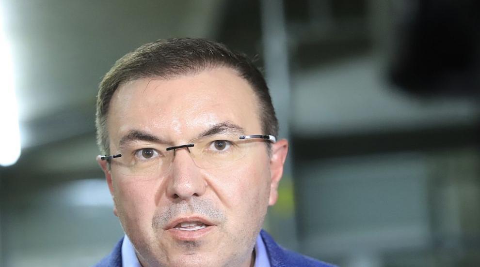 Ангелов поиска първа оставка на болничен директор...