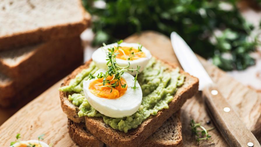 Обилна закуска и лека вечеря, това ли е ключът към отслабването