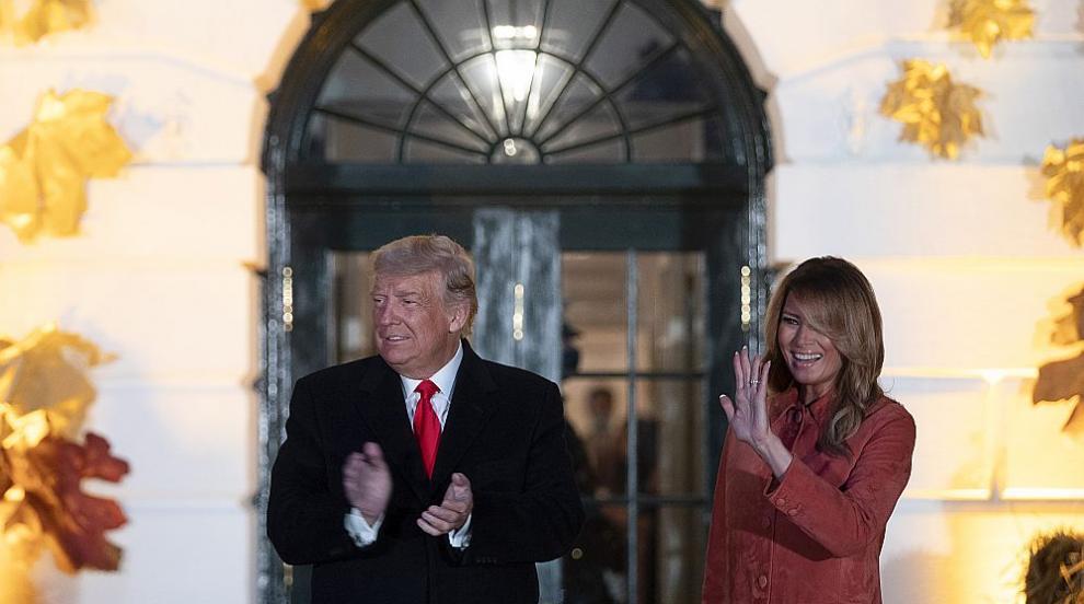 Хелоуин в Белия дом - да се маскираш като Доналд и...