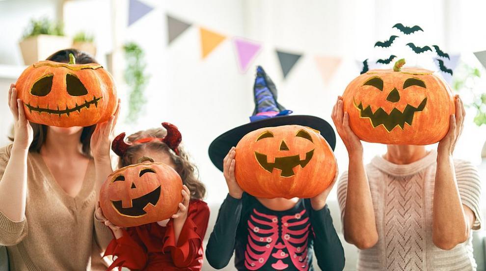 Хелоуин се отменя във високорисковите епидемични...