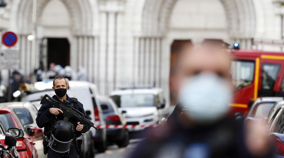 Терор във Франция: Убити и ранени след серия атаки с...