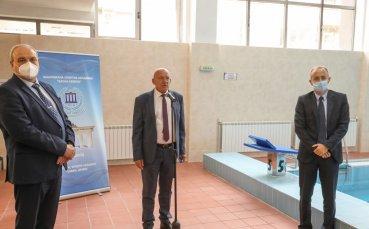 Зам-министър Андонов и министър Вълчев откриха реновирания басейн Мадара