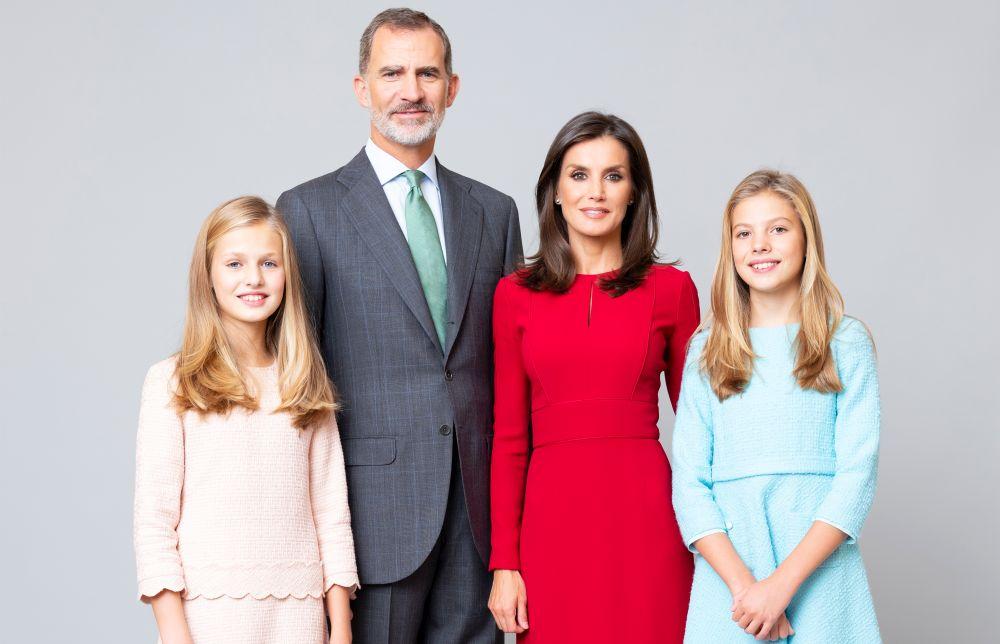 Кралското семейство на Испания – златокосите принцеси Леонор и София