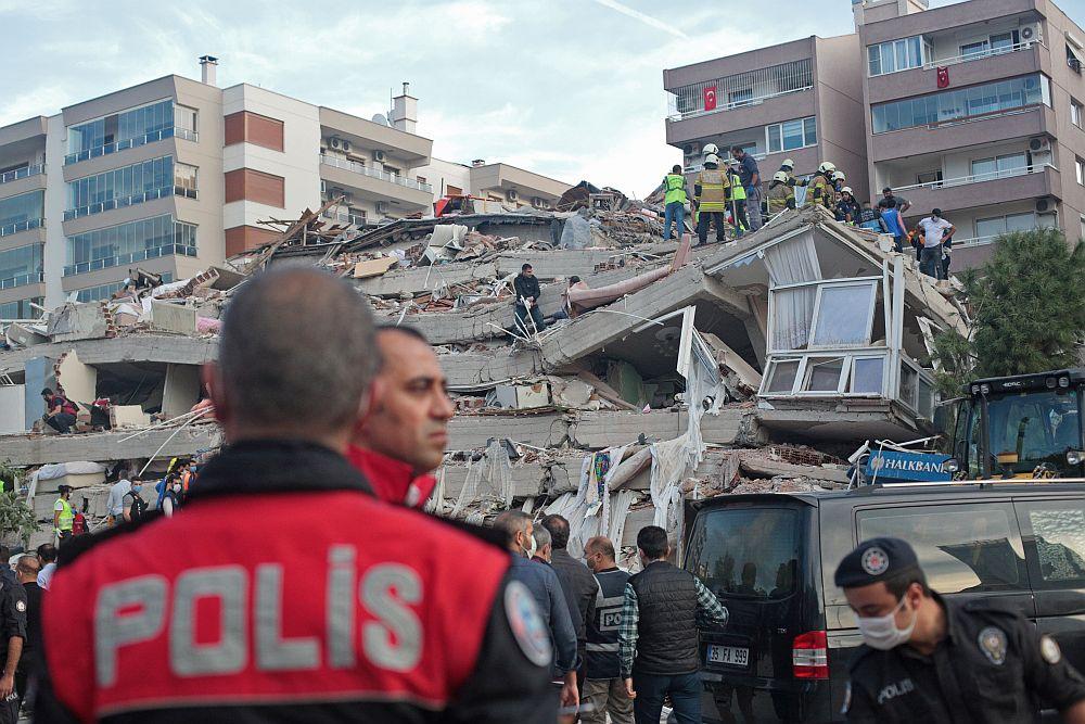Земетресението в Измир