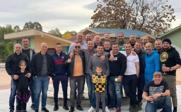 Депутат от Пловдив и компания събраха над 3000 лева за Ботев