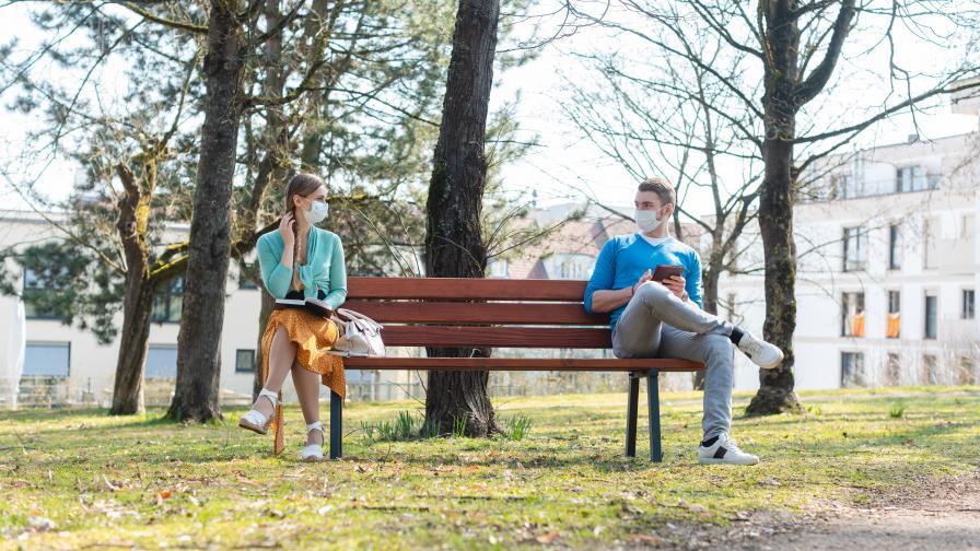 Иновативни пейки спасяват социалните ни контакти в пандемията