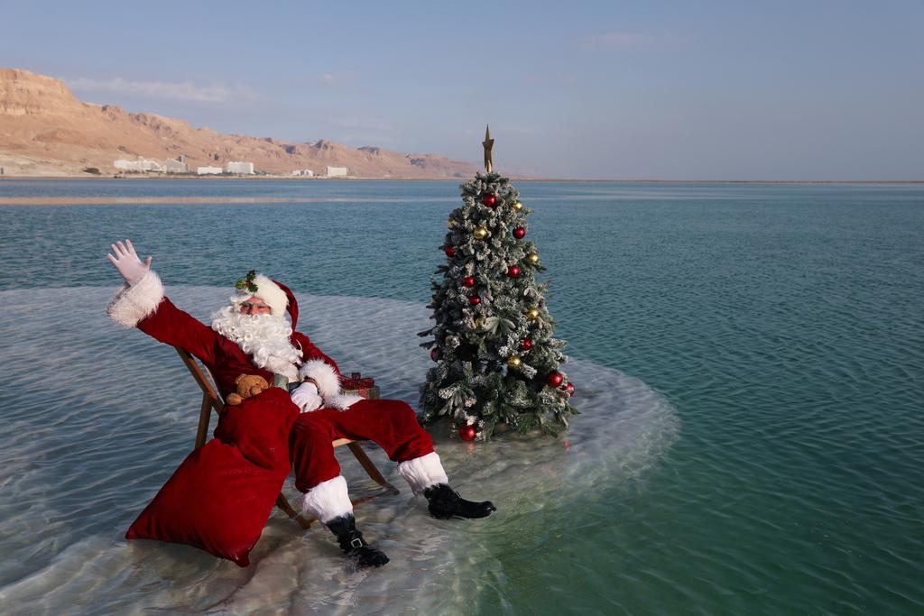 <p>Възможността за снимки беше организирана от израелското министерство на туризма с цел насърчаване на туризма в района на Мъртво море преди коледния празник.</p>