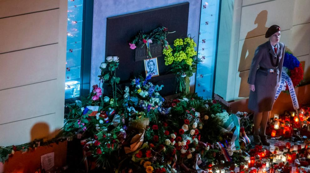 Чехите отбелязват годишнината от Нежната революция...