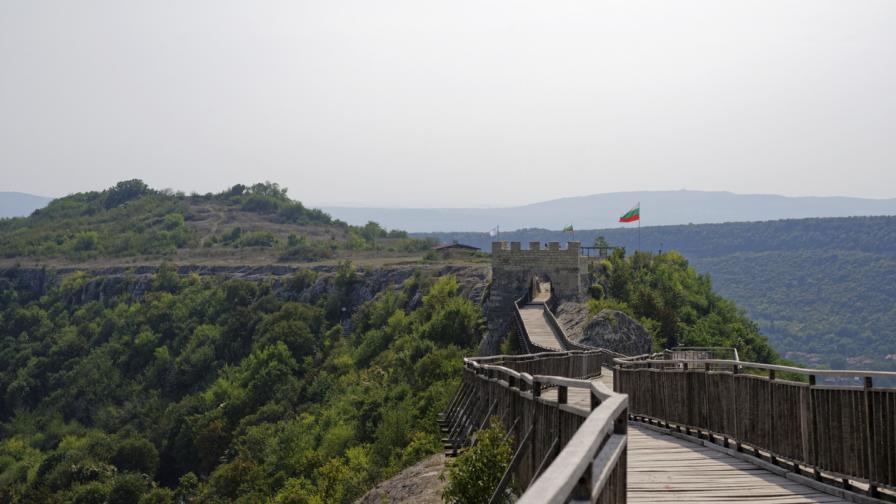 5 крепости в България, които трябва да...