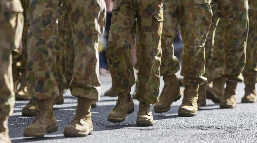 Разследват военни в Австралия, пили бира от протеза...