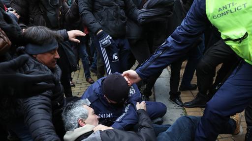 https://m.netinfo.bg/media/images/44990/44990764/512-288-protesti-na-zhyltite-paveta-dnes.jpg