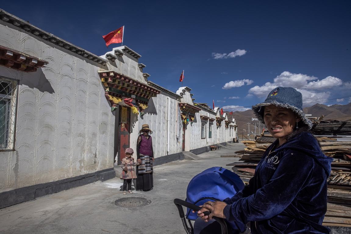<p>628 000 тибетци са изведени от бедността, съобщи Ву Ингджи, генерален секретар на партията в Лхаса, столицата на Тибет, пред репортери по време на правителствена обиколка в региона, единственият начин за чуждестранните журналисти да имат право да посетят автономния регион.</p>