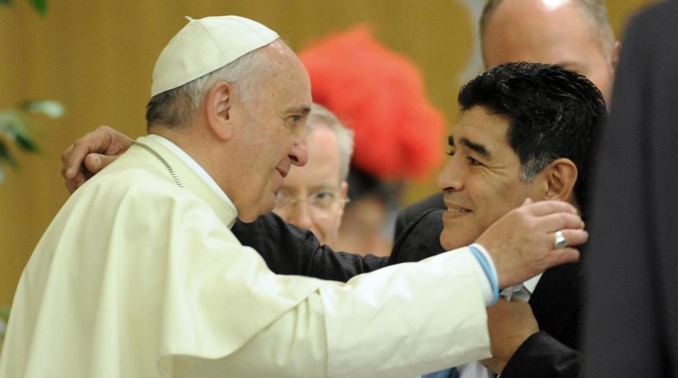 Папа Франциск: Марадона беше поет на терена, но и една...