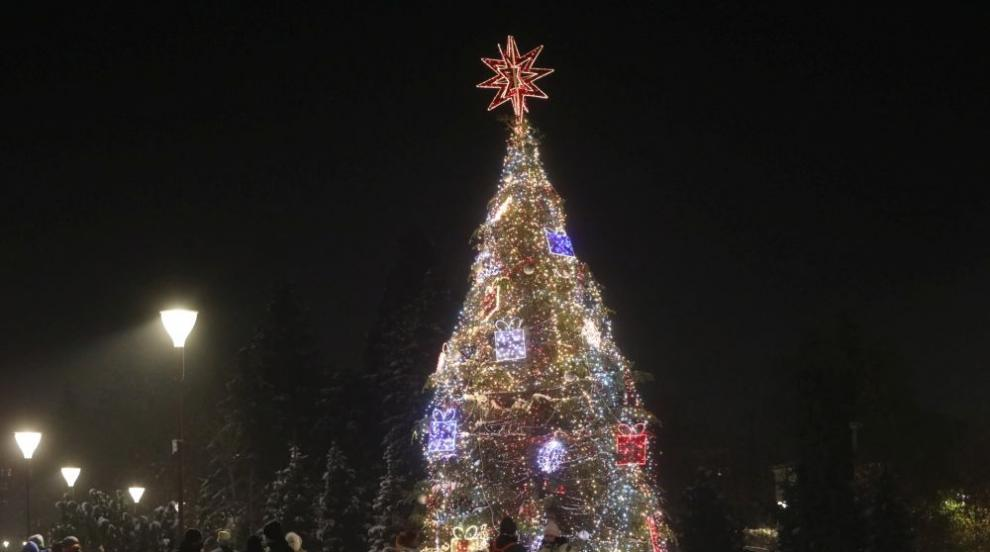 Коледният дух завладя София (СНИМКИ)
