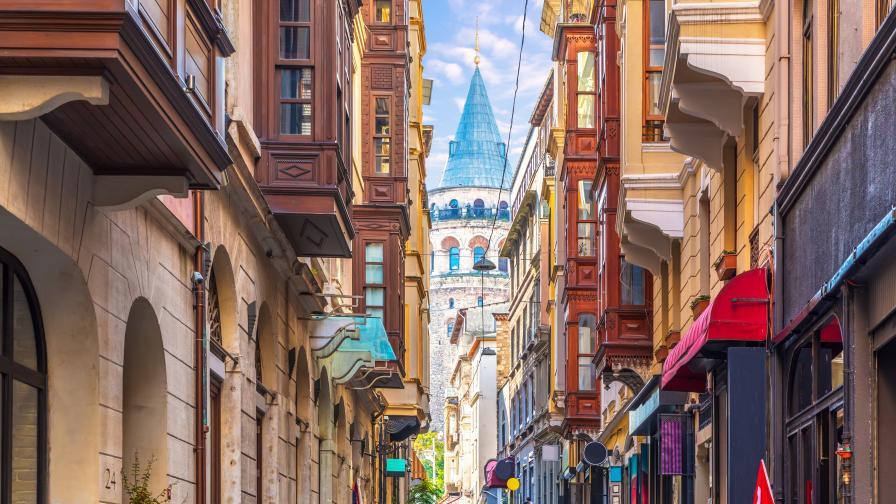 Турция забрани гостуването по домовете