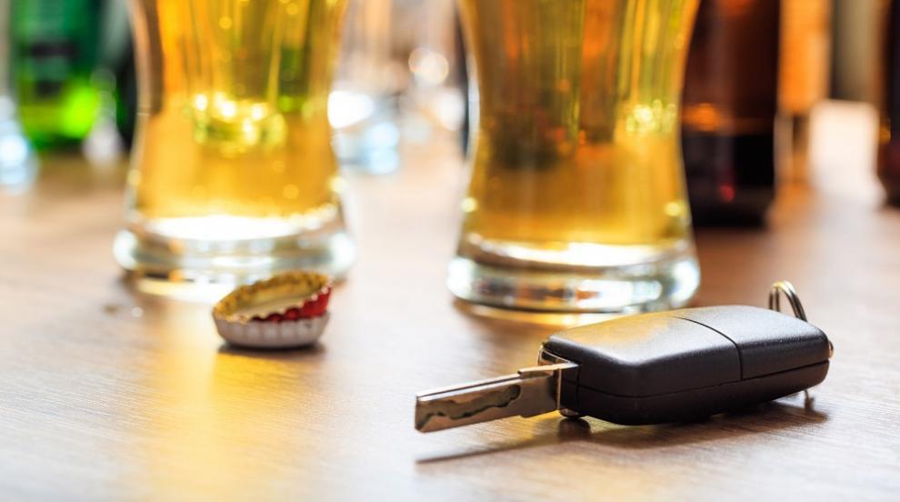 Полицаи задържаха пиян и буйстващ шофьор край Котел