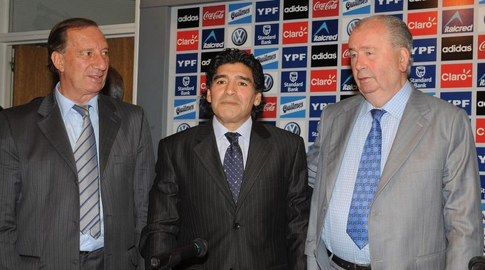 Любимият треньор на Марадона още не знае за смъртта му