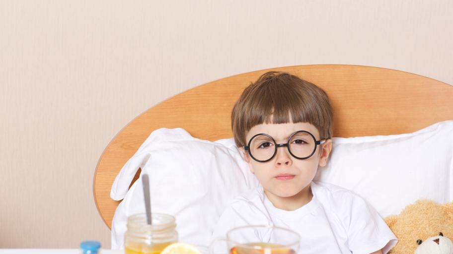 Изпитани методи за облекчаване на болката в гърлото при деца