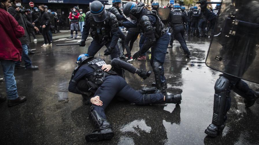 <p>Нови протести в Париж, над 100 арестувани</p>