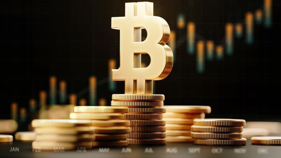 Bitcoin достигна рекордна цена от 50 000 долара
