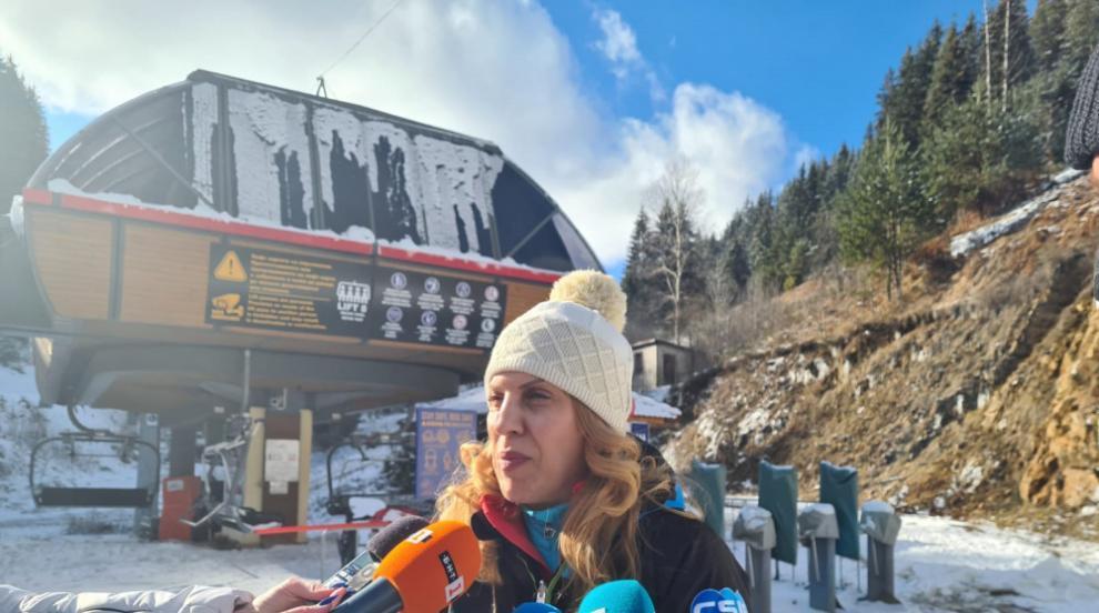 Николова: Очакваме по-малък спад на туристите за...