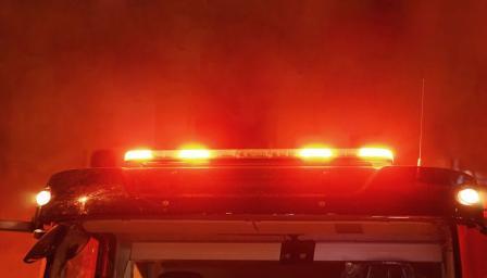 Автосервиз изгоря до основи във Варна