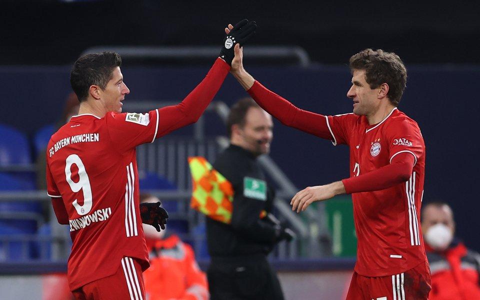 Отборите на Шалке и Байерн Мюнхен играят при резултат 0:2в