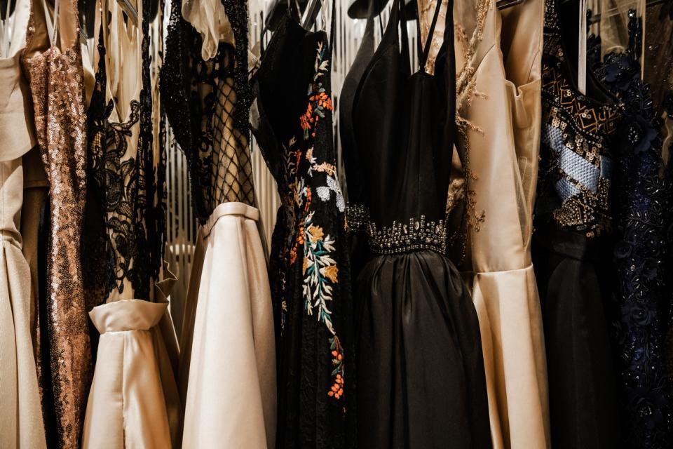 мода рокля дрехи
