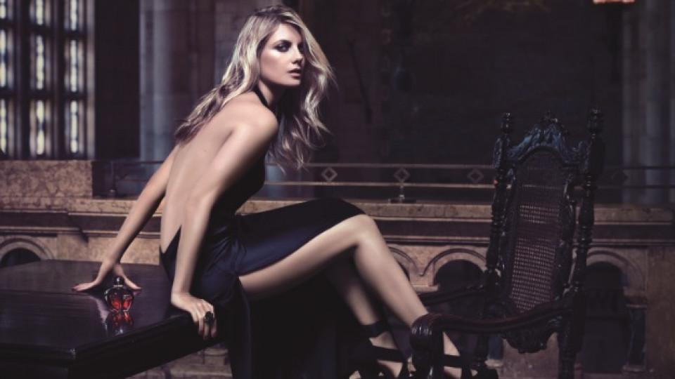 Hypnotic Poison Eau Secrète на Dior е тайна покана за любовна среща на място, скрито от света