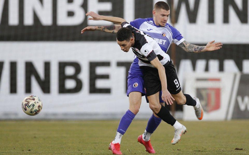 Локомотив Пловдив посреща последния Етър в откриващ мач на 19-ия
