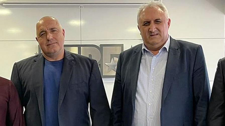Мехмед Дикме (вдясно) на среща с премиера Бойко Борисов