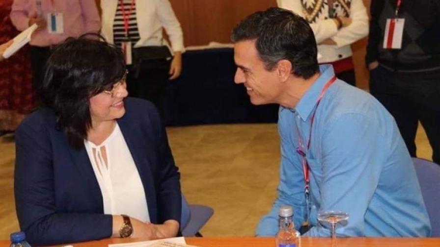 Корнелия Нинова с Педро Санчес