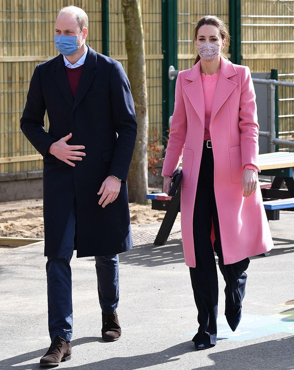 По време на съвместен ангажимент със съпругата си Катрин в Източен Лондон принц Уилям увери, че британското кралско семейство не е расистко