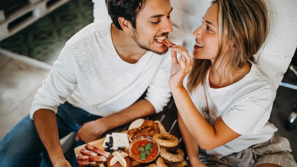 любов двойка храна